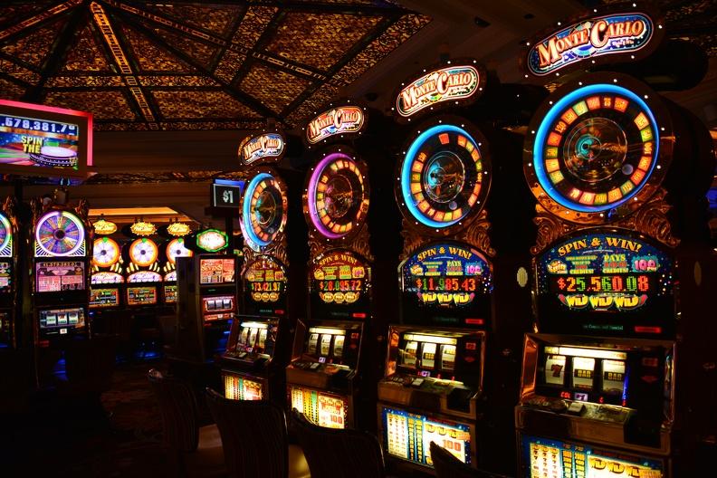 Играть в казино на деньги в рублях как играть в казино кости
